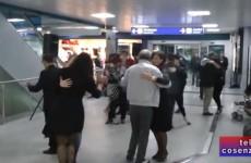 Flash Mob Tango Argentino in Aeroporto Lamezia Terme